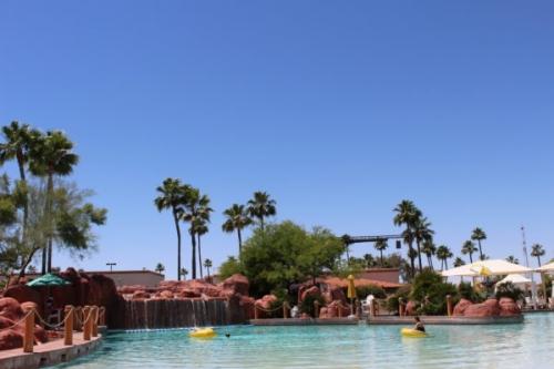 Grand-Oasis-Wave-Pool-e1485399823200