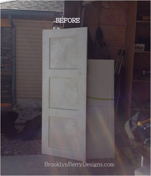 Inspiration – Upcycle a door into DIY Furniture