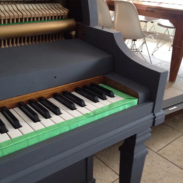 Painting a piano - progress