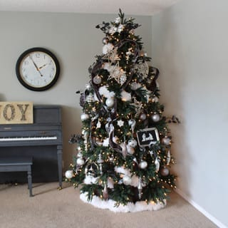 Homemade Holidays -2015 Christmas Tree