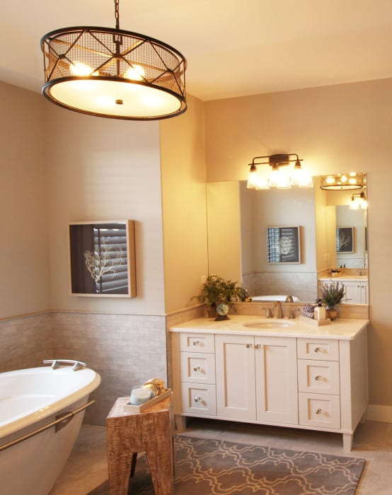 Master Bathroom ensuite Luxury Lake House