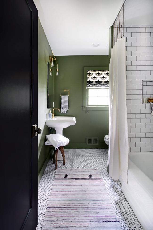 guest-bathroom-01_edited-1