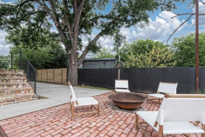 Fixer Upper Shotgun House backyard patio