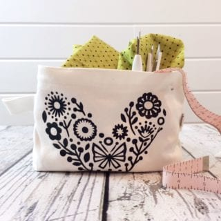 Personalized Makeup Bags With Cricut EasyPress