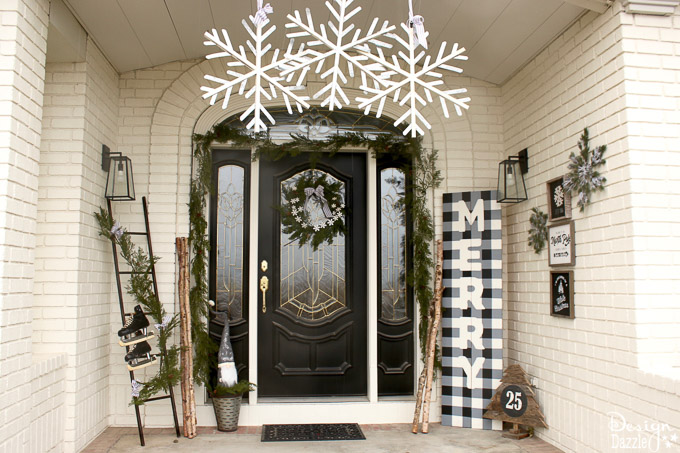 extend the black and white decor outside the home toni from design dazzle has just the right balance of cute accents love the black skates while still - Black And White Christmas